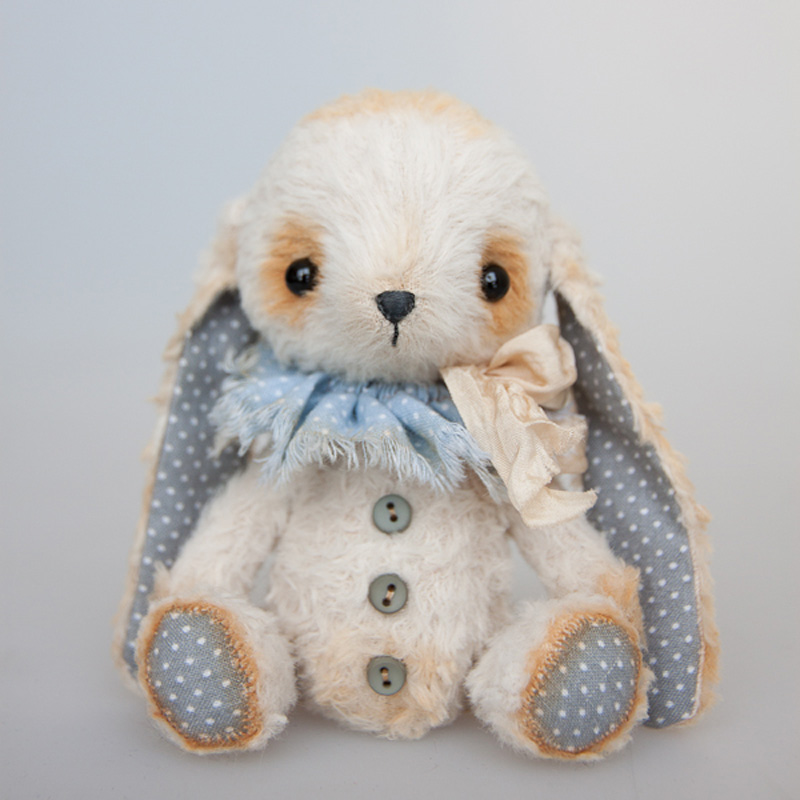 irisha-podusha белый кролик